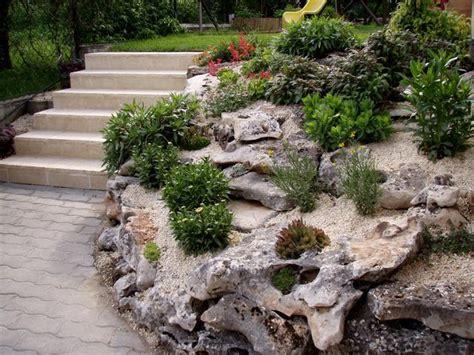 Steingarten Hang Anlegen by Steingarten Pflanzenauswahl Hang Treppen Kies Bodenbedeckt