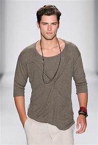 Male Model Poses On Runway | Male Models Picture