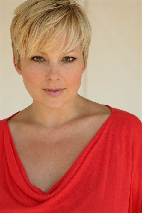 Perfect short pixie haircut hairstyle for plus size 2