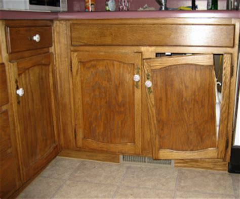 broken kitchen cabinet door oklahoma s best cabinetmaker building quality cabinets and 4921