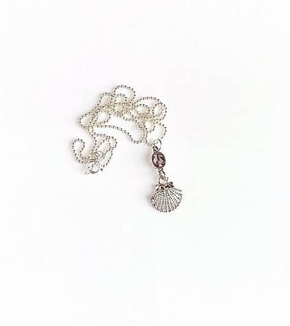 Gucci Shell Necklace Charm