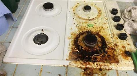 comment nettoyer des toilettes tres sales la recette surpuissante pour d 233 graisser facilement votre plaque de cuisson