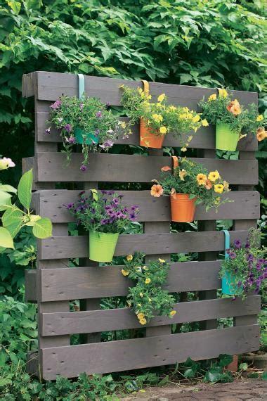 Garten Gestalten Mit Paletten by Kreativ Idee Paletten Als Bl 252 Hender Sichtschutz