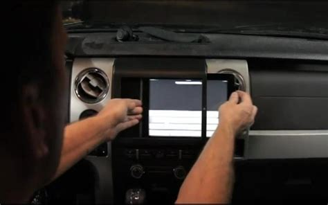 video find  dash apple ipad  install    car video conferencing motortrend