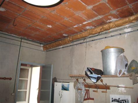 pose dun faux plafond sur hourdi en terre cuite