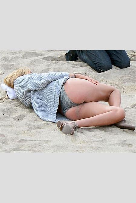 Kate Upton Upskirt | celebrity-slips.com