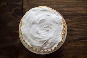 do it yourself divas: Coconut Whip Cream Pie