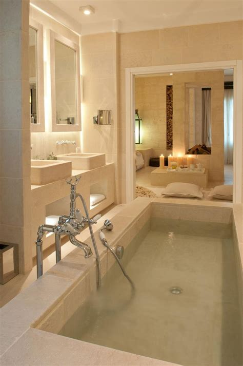 Luxury Spa Bathrooms by Best 25 Luxury Bathrooms Ideas On Luxurious