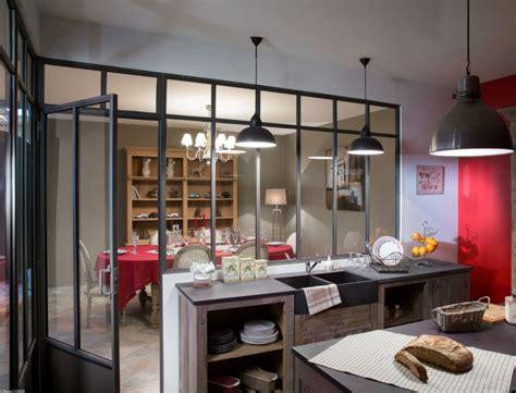 femmeactuelle fr rubrique cuisine une verrière esprit atelier d artiste femme actuelle