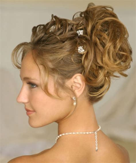 medium length styles for hair 28 marvellous curly hairstyles for wedding guests 4494