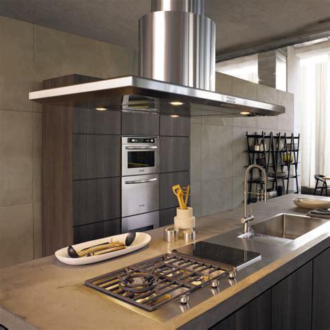 hotte îlot pratique et convivial pour une cuisine moderne