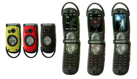 G-shock携帯が折りたたみ型で復活──「g\'zone Type-r」