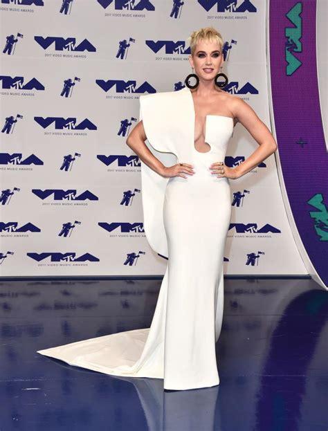 mtv video  awards   dressed hottest