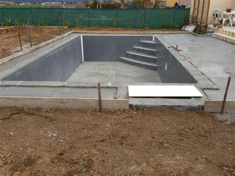 construction des escaliers en beton arme construction d une piscine b 233 ton arm 233 banch 233 unibeo par aquarev piscines 224 oraison 04700