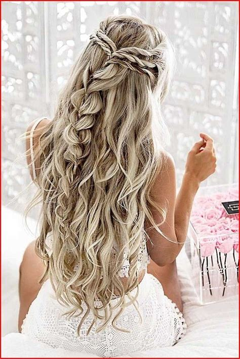 Types of Homecoming Hairstyles You Can Follow Down
