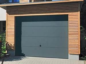 porte basculante simple paroi sur mesure portes de garage With porte de garage et porte simple en bois