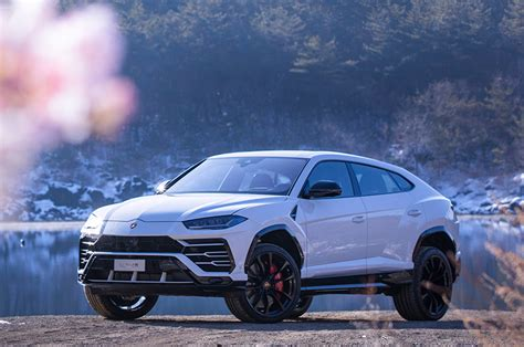 Lamborghini Urus Picture by 2019 Lamborghini Urus Drive Review Automobile Magazine
