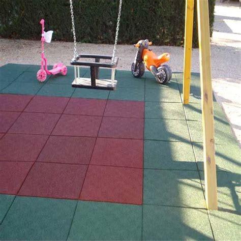 couvre sol avec dalle pour air des jeux  salle de sport