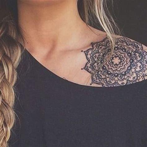 tatouage mandala dentelle  craque pour  tatouage