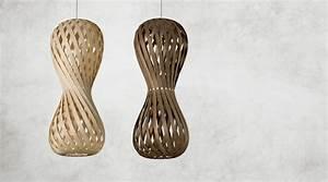 Pendelleuchte Aus Holz : design pendelleuchte aus holz leuchte swing von dreizehngrad ~ Lizthompson.info Haus und Dekorationen
