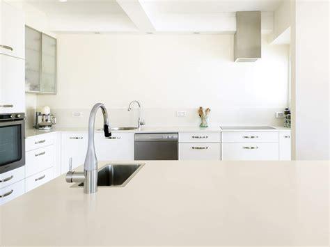 hauteur plan de travail cuisine facteur fondamental dans l am 233 nagement d une cuisine