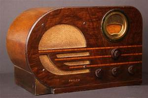 "Philco Model 38-10 ""Bullet"" Table Radio"