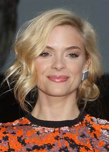 Jaime King Updo: A Holiday Hairstyle for Short Hair | more.com