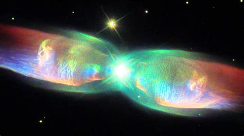 NASA's Hubble Telescope Sends New Image of Twin Jet Nebula