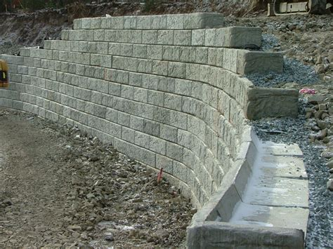 block retaining wall the gallery for gt concrete block retaining wall construction details