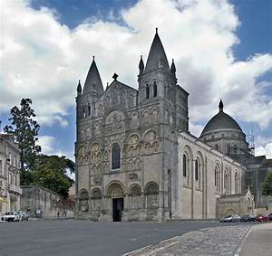 Seat Angouleme : angouleme cathedral a photo from poitou charentes west trekearth ~ Gottalentnigeria.com Avis de Voitures