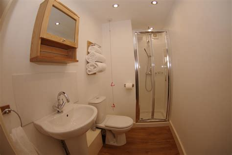 west shower west barn sojourn self catering accommodation