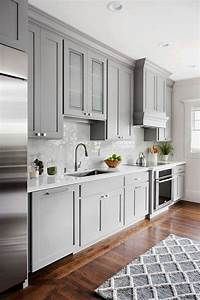 20 gorgeous kitchen cabinet color ideas for every type of for Kitchen cabinet trends 2018 combined with running wall art