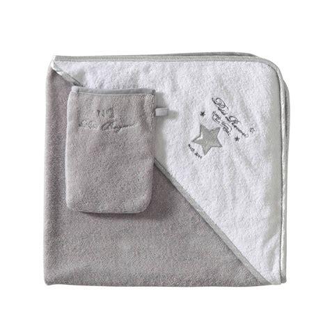 décoration chambre de bébé garçon cape de bain bébé gant en coton gris blanc songe
