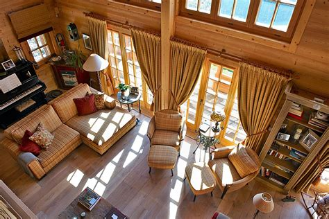 bureau design suisse décoration d 39 intérieur d 39 un chalet cosy et chaleureux