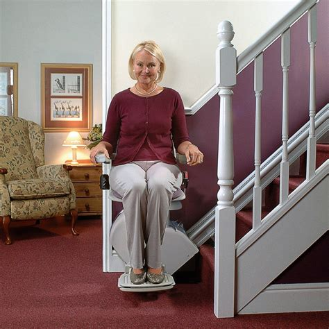 how to find a good stair lift for your elderly parents