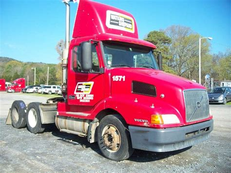 commercial truck for sale volvo 2002 volvo vnl64t300 day cab semi truck for sale 408 154