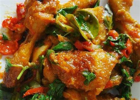 Resep ayam rica rica kemangi yang super enak hai assalammualikum teman teman. Resep Ayam Rica Rica Daun Kemangi | Resep Koki Rumahan