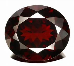 January Birthstone - Garnet. Gittelson Jewelers Minneapolis.