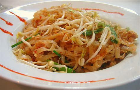 cuisson pate de riz recette phở x 224 o thịt heo p 226 tes de riz saut 233 es au porc et aux l 233 gumes recettes asiatiques