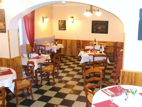 cuisine st hubert restaurant le relais st hubert marigne laille tourisme