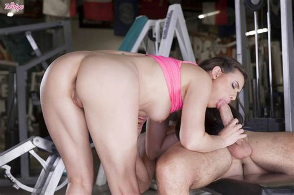 #Hot #Sporty #Girl #Casey #Calvert #Getting #Fucked #In #The #Gym