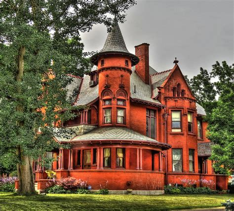 what style house do i style house in urbana ohio seen along scioto