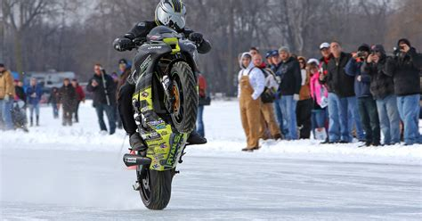 setting  guinness world record  fastest wheelie