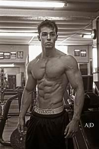 Bodybuilding Junction  Nico Scipione - 19 Year Old Bodybuilder