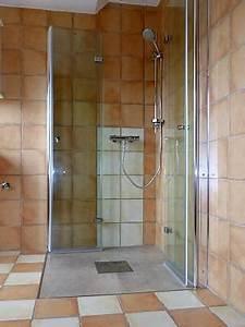 Dusche Mit Pumpe : auf 39 s alter vorbereitet mit einer pumpe zur barrierefreien dusche januar 2017 familienheim ~ Markanthonyermac.com Haus und Dekorationen