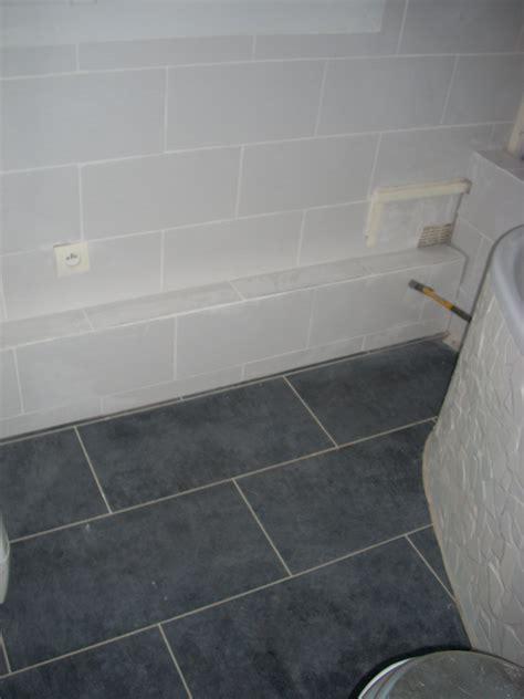 quelle couleur dans une chambre carrelage sol salle de bain gris clair