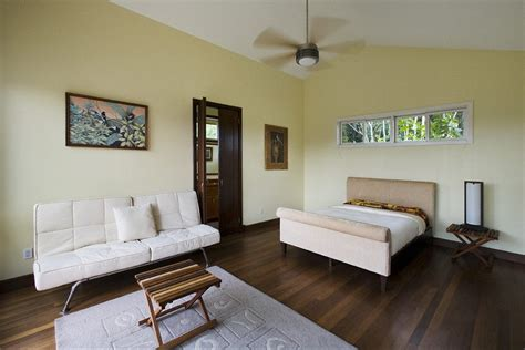 Bedroom Color Schemes With Hardwood Floors by What Color Baseboards With Hardwood Floors Hardwoods Design