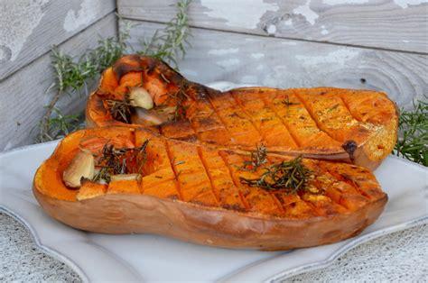 cuisiner des chataignes au four butternut rôtie à l ail et au romarin par la p 39 tite cuisine de pauline