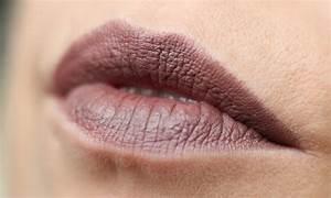 Beliebteste Mac Lippenstifte : swatch mac stone antique velvet russian red lavie deboite ~ Frokenaadalensverden.com Haus und Dekorationen