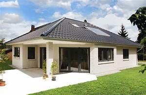 Bungalow Mit Garage Bauen : bungalow mit ausgefallener terrassenvariante elbe haus ~ Lizthompson.info Haus und Dekorationen